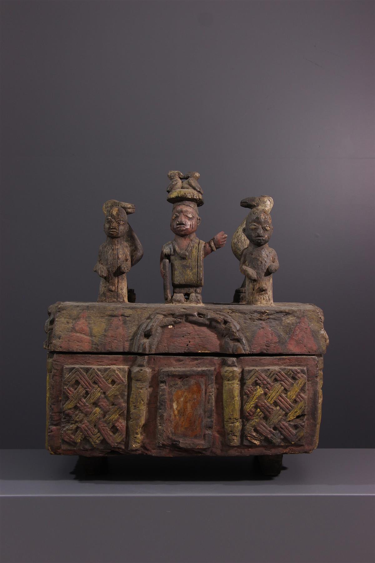 Yoruba box - Tribal art