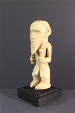 Bembé ivory statuette