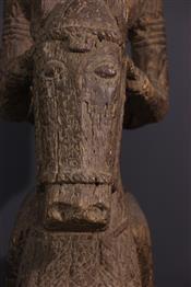 CavalierDogon statue